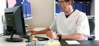 DR. Peter Iwens